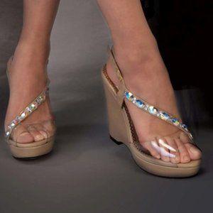 JOHNATHAN KAYNE WEDGE TAUPE 4″ Swarovski Crystals